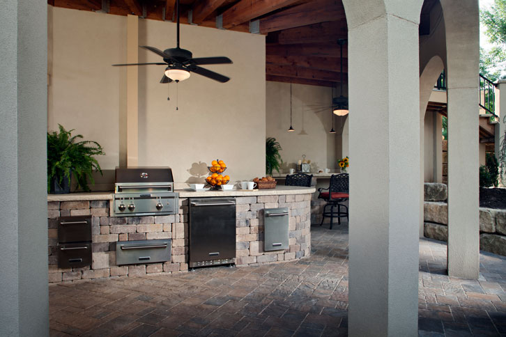 Outdoor Kitchens and Lighting Image